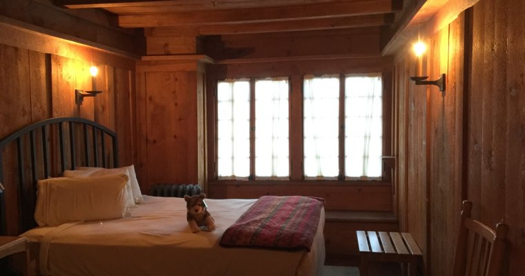 project small house inspiration bedroom at old faithful inn - Small House Inspiration