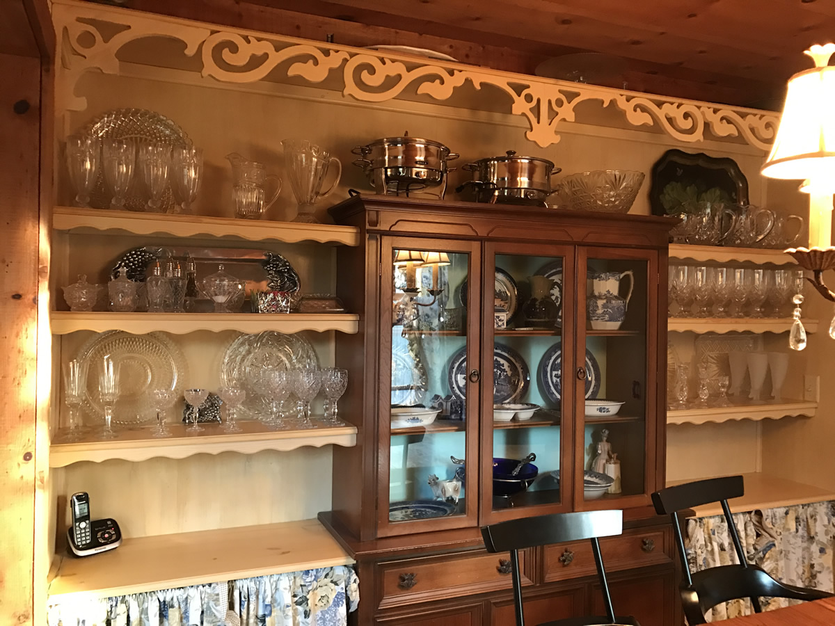 Built in china cabinet - Built In China Cabinet And Dining Room Storage