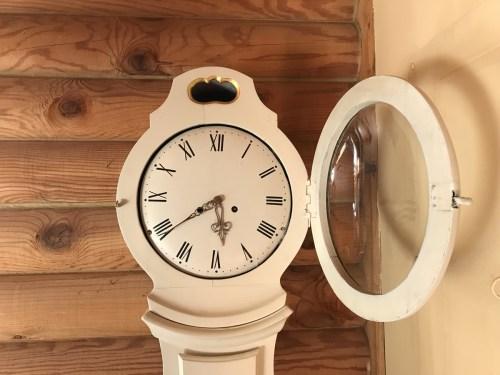 Mora Clock Face Open