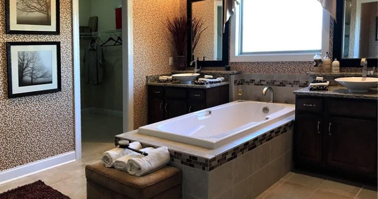 Master Bath in the Schumacher Homes Blue Ridge Model