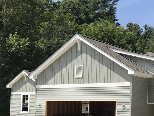 After the corbels - Installing the Vinyl Siding - Building Our Schumacher Home - Project Small House