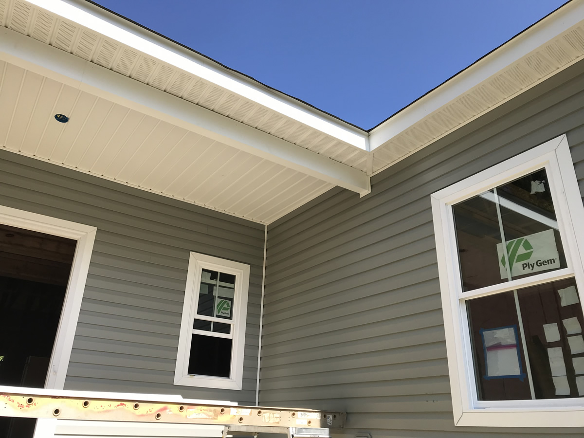 Installing The Vinyl Siding Project Small House