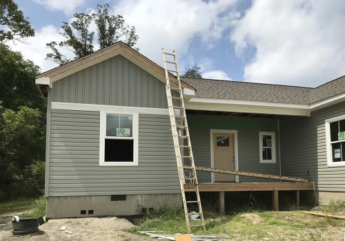 Installing the Vinyl Siding - Building Our Schumacher Home - Project Small House