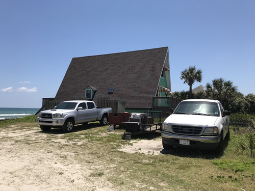 There is additional parking on the dunes on one side of theA-Frame House on the Beach