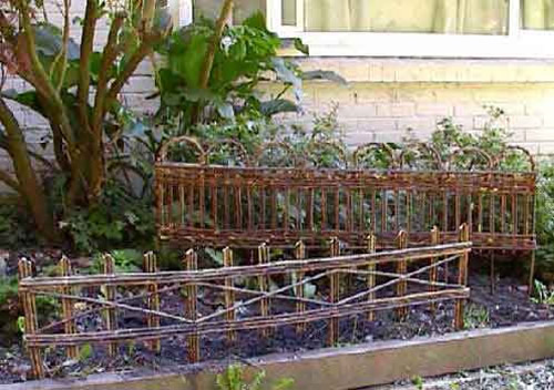 WE-43 Slightly Flexible Woven Willow Edging WE-41 Straight Picket Style Willow Edging