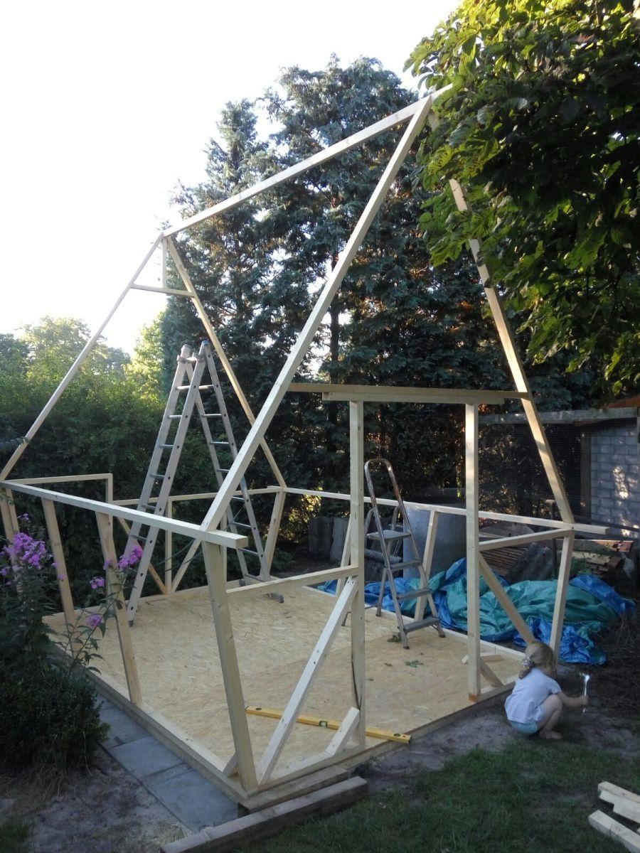 Ein Spielhaus/Hexenhaus entsteht Teil 1
