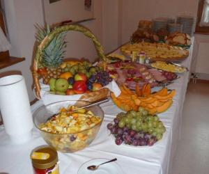Ukunda Brunch Buffet