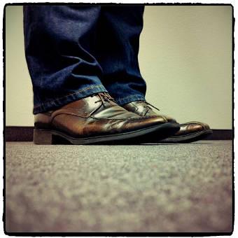 Ziemlich belastet: die Schuhe des Trainers. Auf unserer Facebook-Seite haben wir kürzlich nach Vorschlägen zu den Nachfolgern gefragt.
