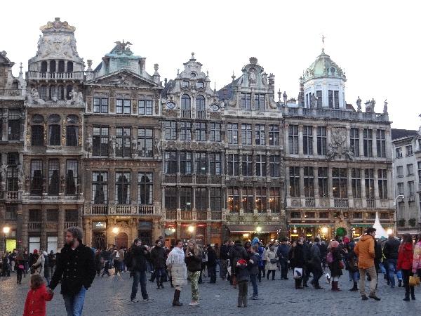 A linda arquitetura da Grand Place de Bruxelas