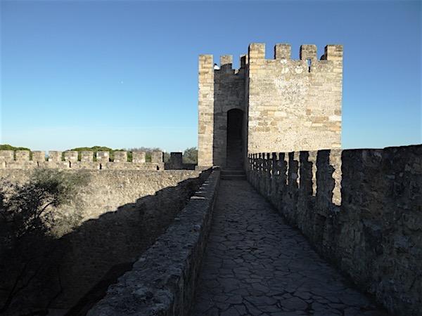 As muralhas do Castelo de São Jorge