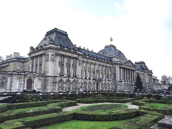O Palácio Real - que só conseguimos ver por fora