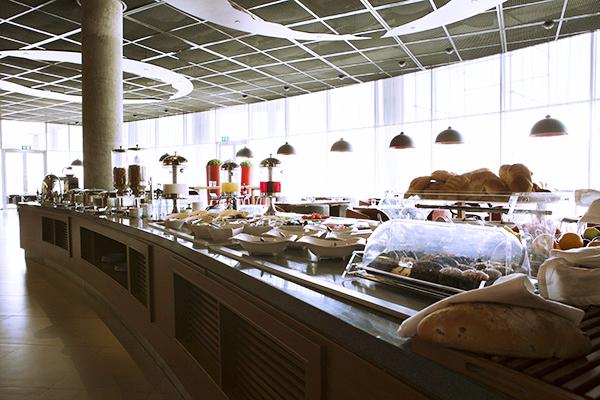 Buffet Ibis Tehran
