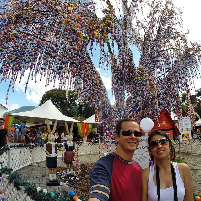 A maior árvore de Páscoa do mundo fica em Pomerode!