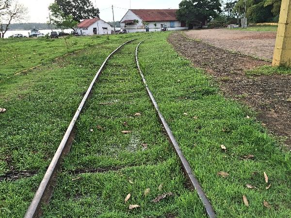 Estrada de Ferro PVH