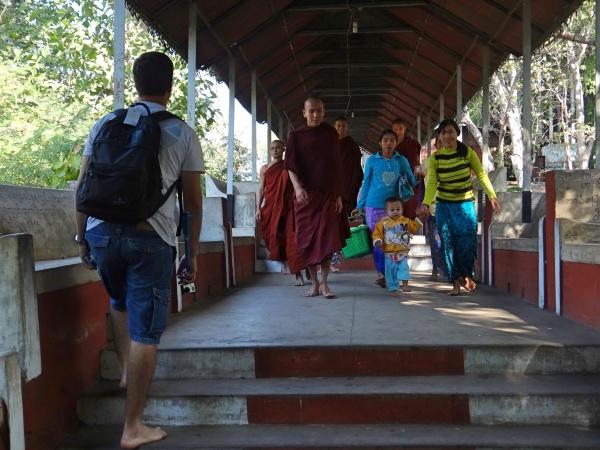 Subindo Mandalay Hill