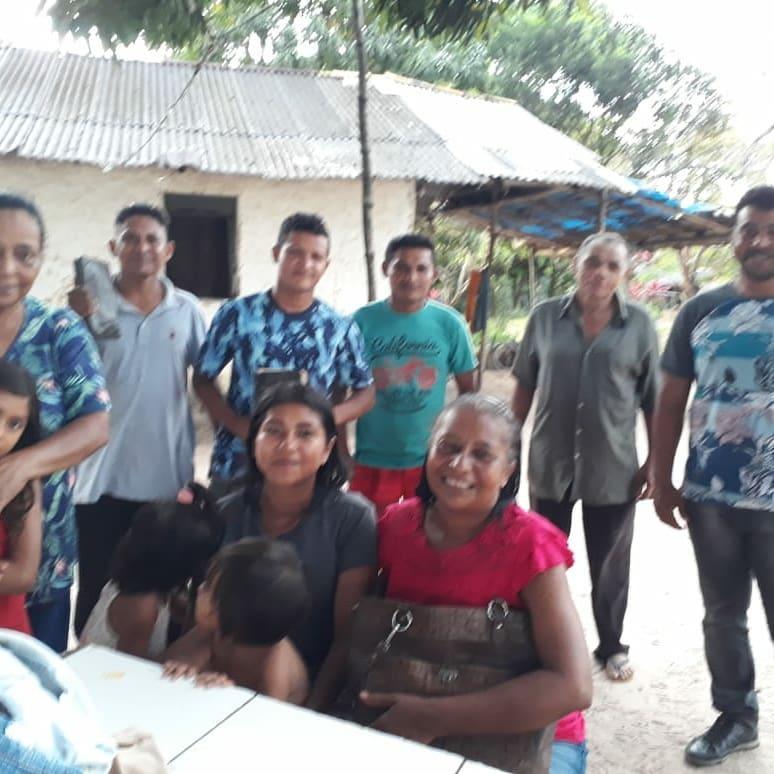 Durante 3 anos a missionária Nalvinha esteve orando e evangelizando nessa comunidade onde não tinha nenhuma presença evangélica.
