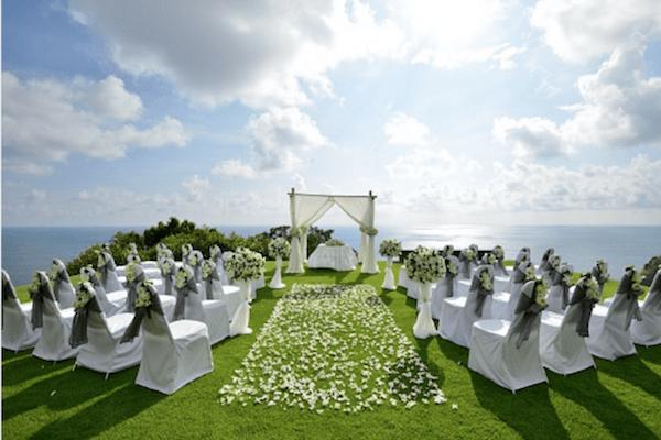 outdoor-wedding-ceremony-weather-206922