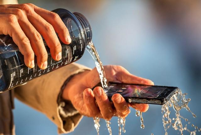Sony-Xperia-Z1-agua-e1378358232449