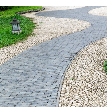 At Promier Landscapes, we have 16 years of experience creating elegant and functional paths and walkways.