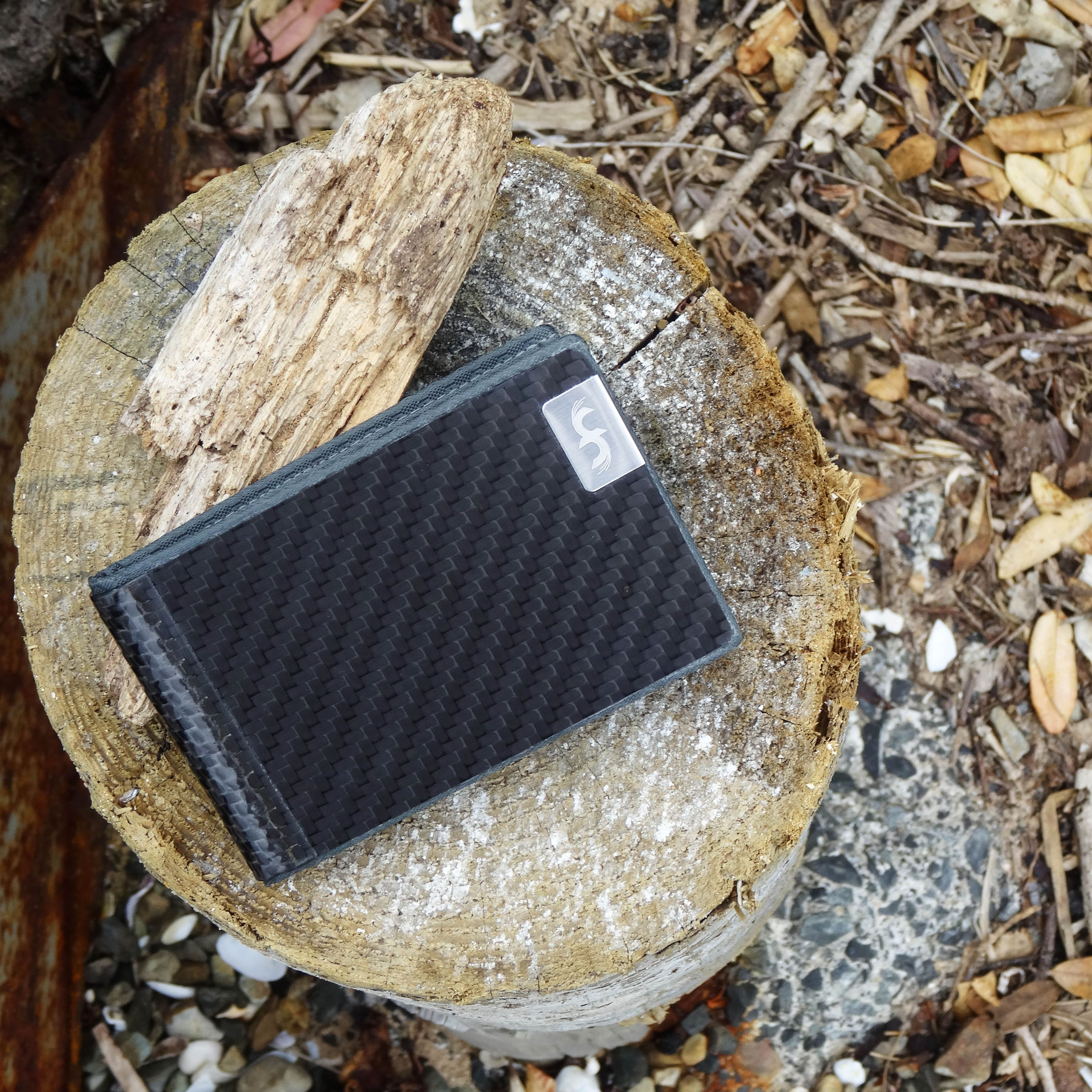 Common Fibers - Carbon Fiber Business Card Holder Wallet