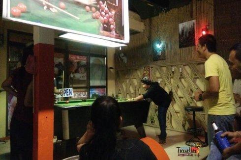 to do on Koh Lanta - Pool Table at beer Bars