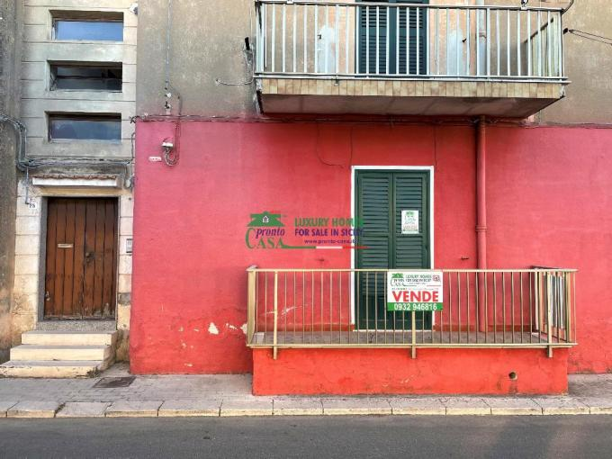 Pronto Casa: Appartamento a Modica Alta in Vendita a Modica Foto 1
