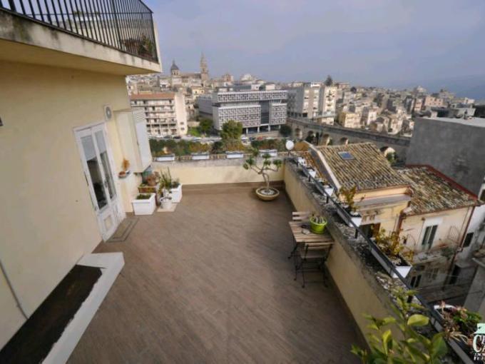 Pronto Casa: Panoramico appartamento con terrazze in Vendita a Ragusa Foto 1