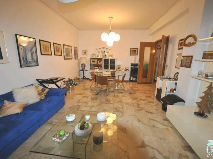Pronto Casa: Appartamento 6 locali a Ragusa in Vendita a Ragusa Foto 1