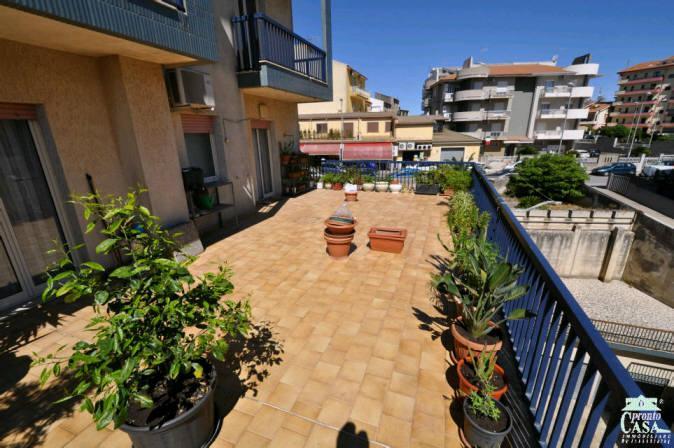 Pronto Casa: Appartamento di Prestigio con Veranda in Vendita a Ragusa Foto 1