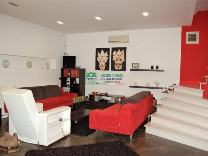 Pronto Casa: PRESTIGIOSO APPARTAMENTO IN AFFITTO DI MQ170 CIRCA. in Affitto a Ragusa Foto 1