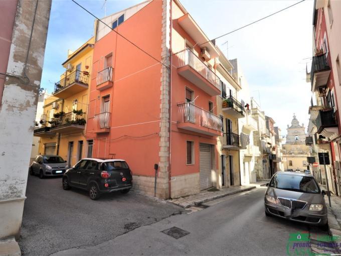 Pronto Casa: INDIPENDENTE ANGOLARE CON GARAGE in Vendita a Ragusa Foto 1