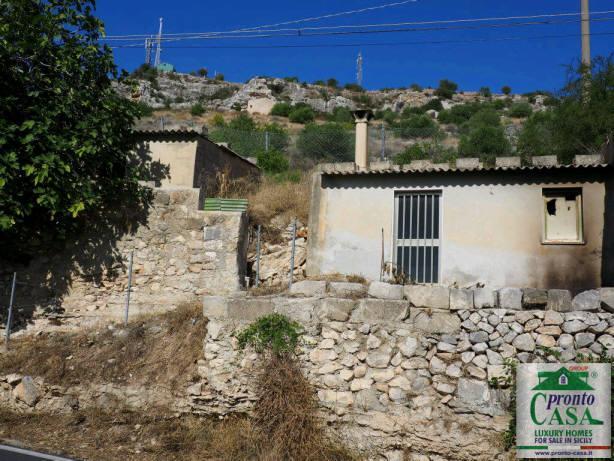 Pronto Casa: CASE CO VISTA SUL CENTRO STORICO DI SCICLI in Vendita a Scicli Foto 2
