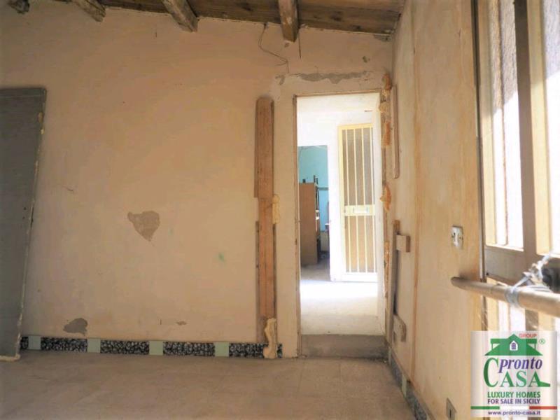 Pronto Casa: CASE CO VISTA SUL CENTRO STORICO DI SCICLI in Vendita a Scicli Foto 7