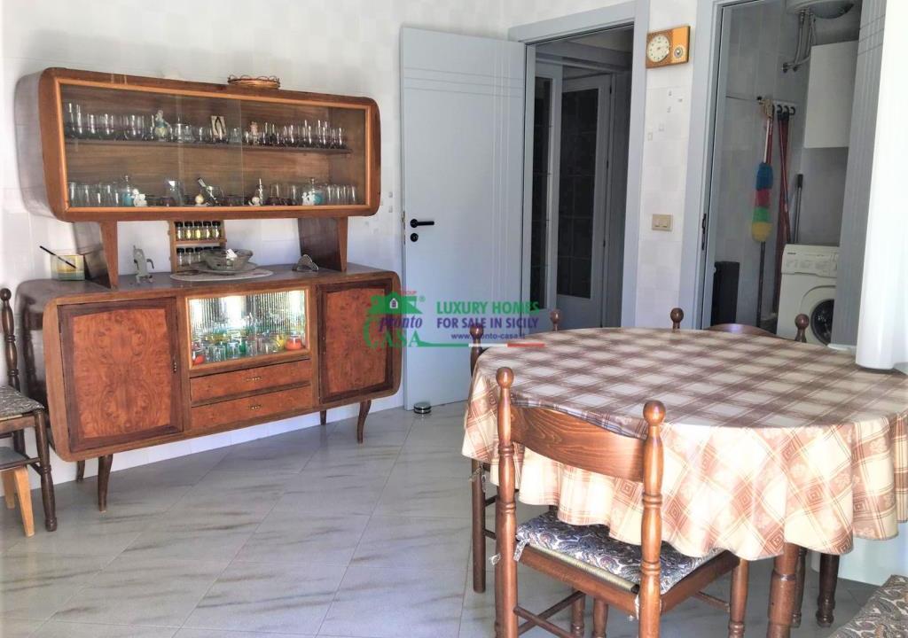 Pronto Casa: CASA SINGOLA AD ANGOLO in Vendita a Comiso Foto 8