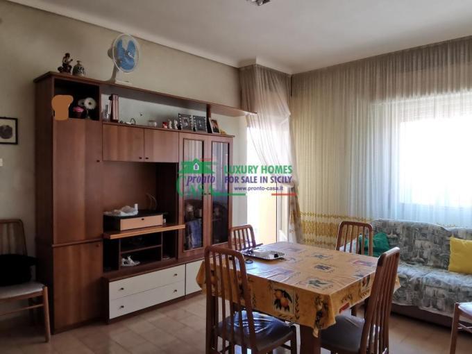 Pronto Casa: appartamento vendita no ascensore zona piazza croce in Vendita a Ragusa Foto 1