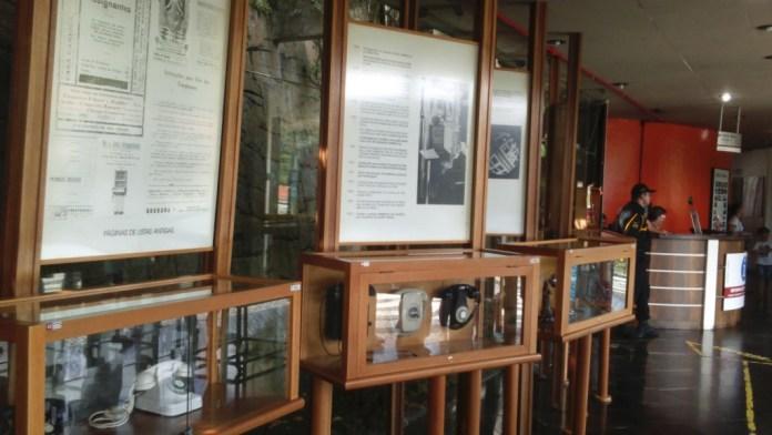 Um pequeno museu das telecomunicações, no térreo.