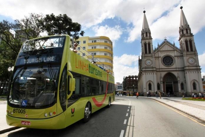Linha Turismo na Praça Tiradentes - Foto: Orlando Kissner/SMCS