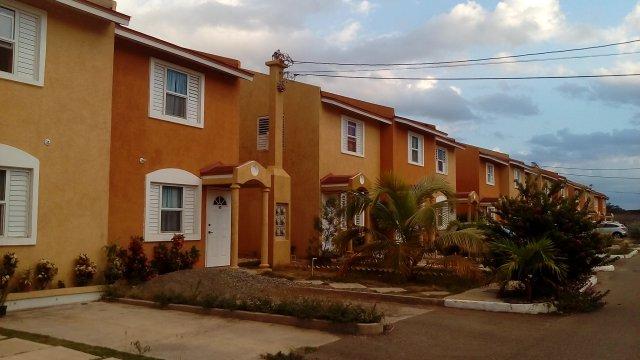 Townhouse For Sale In Union Estate Twickenham Park St Catherine Jamaica Propertyads Jamaica