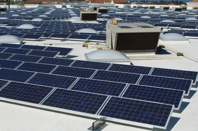 Go Green At Commercial Properties With Flat TPO Rooftop Solar Panel Installations
