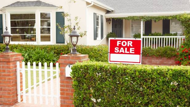 Agent survey shows few house sales to foreign buyers