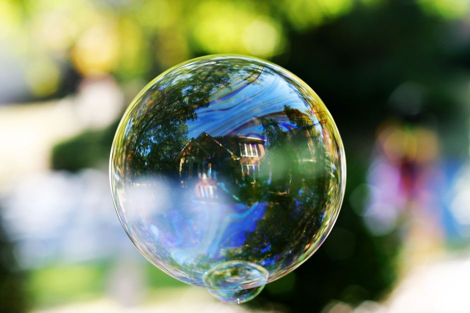 Bitcoin isn't the only bubble — beware of property and shares in 2018