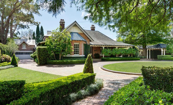 Historic Federation trophy home Kumdibar at Wahroonga listed