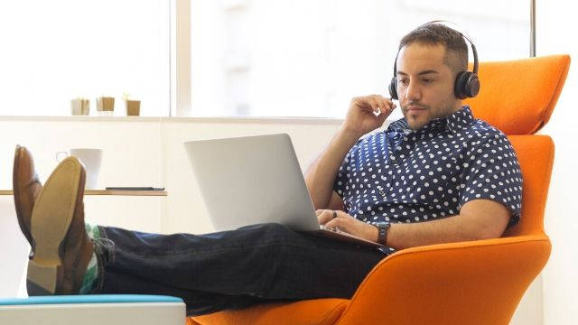 7 Genius Ways to Get Free Internet at Home & Public (Legally)- featured image