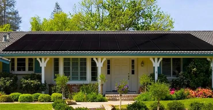 Black solar panels vs blue solar panels