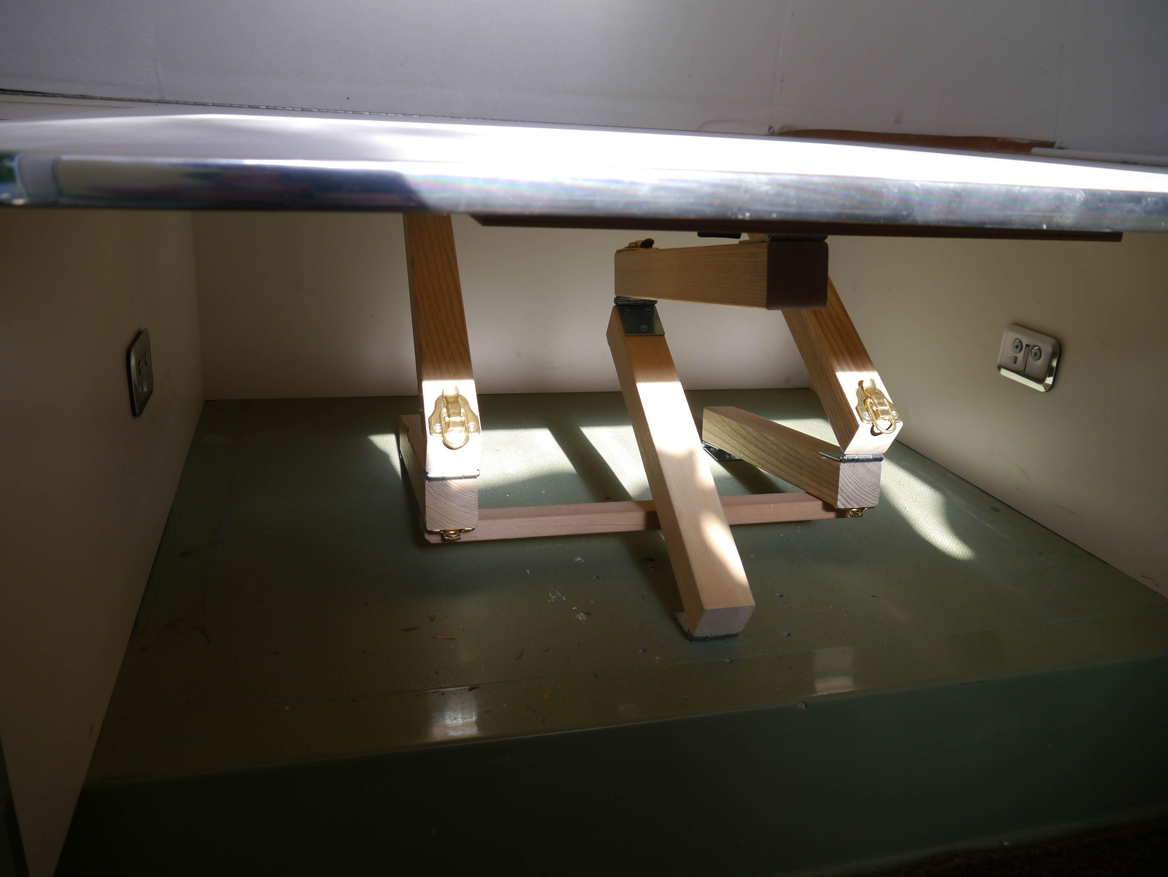 Scissor Table Leg Design