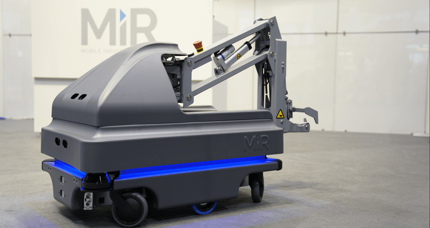 MiRHook200 mobile autonomous robot for heavy payloads