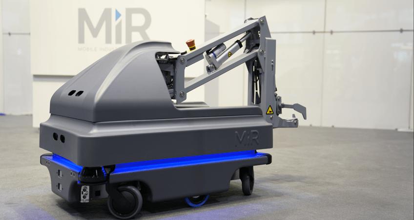 MiRHook200 mobile autonomous robot for heavy payloads