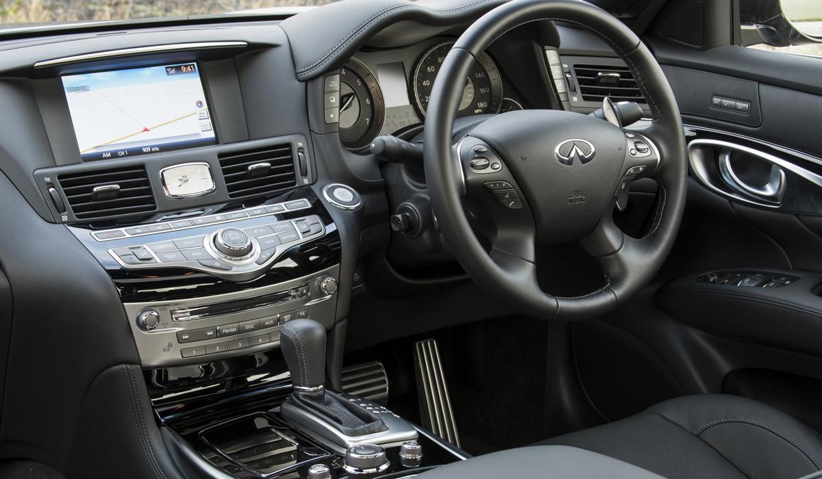 infiniti_q70_infiniti-q70_modelle_limousine_limousinen_luxus-limousine_interieur