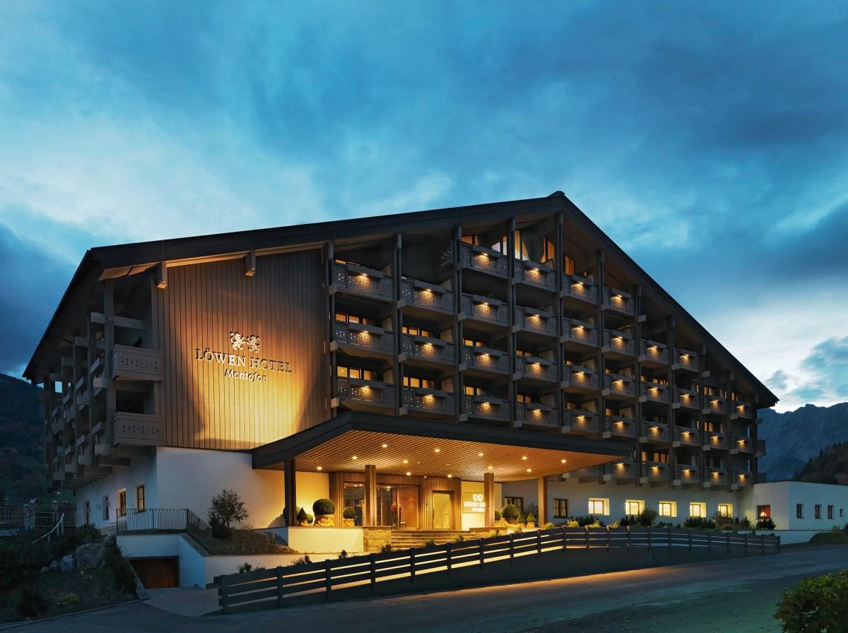 Im Herzen des österreichischen Alpentals Montafon gelegen, wartet das Vier-Sterne-Superior Löwen Hotel Montafon in Schruns darauf, seine Gäste zu verwöhnen.