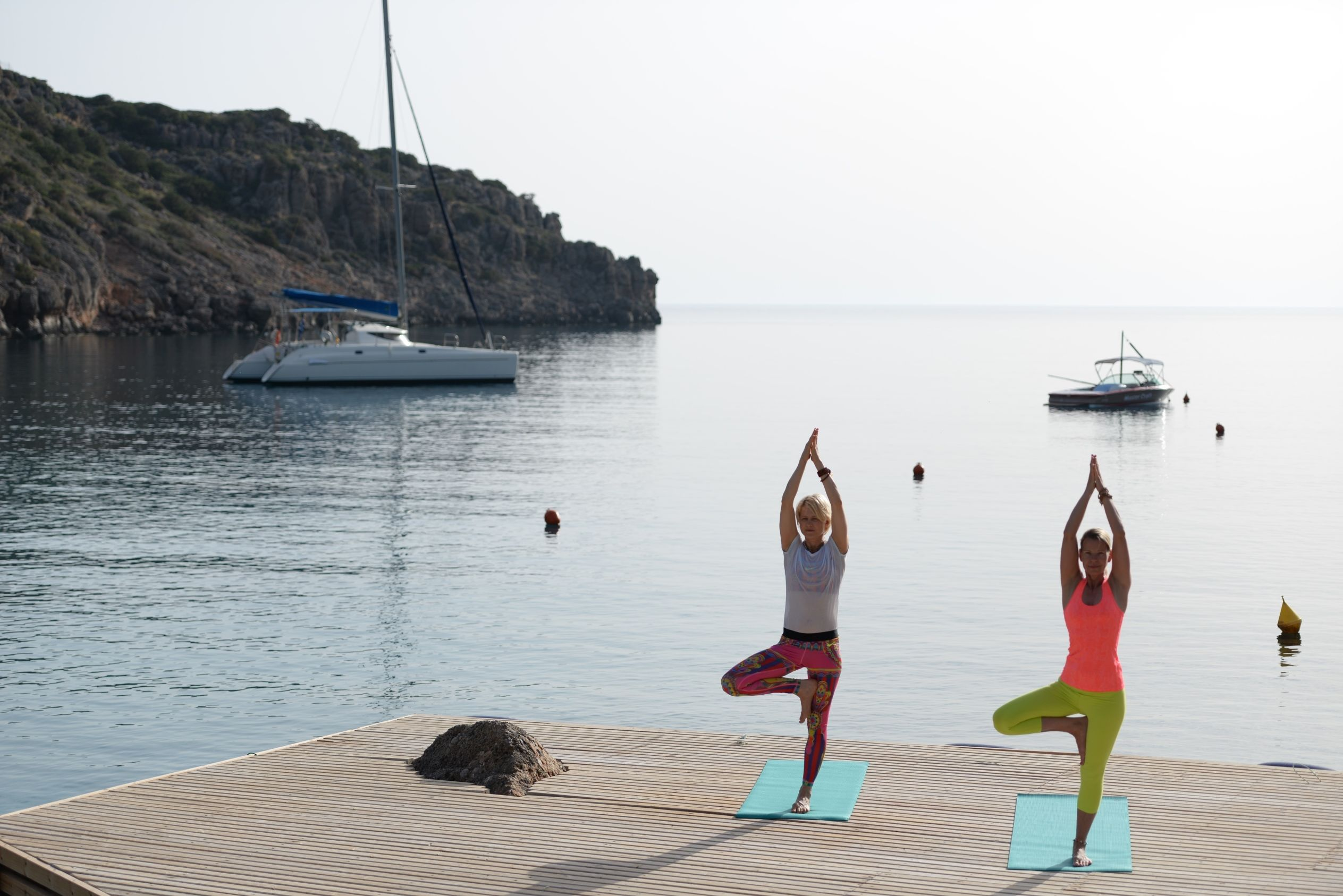 yoga yogakurse yogaworkshop fünf-sterne-resort kreta urlaub luxushotel ferien